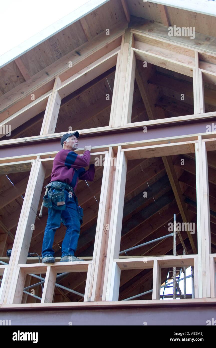 Steel Wood Roof Framing Stockfotos & Steel Wood Roof Framing Bilder ...