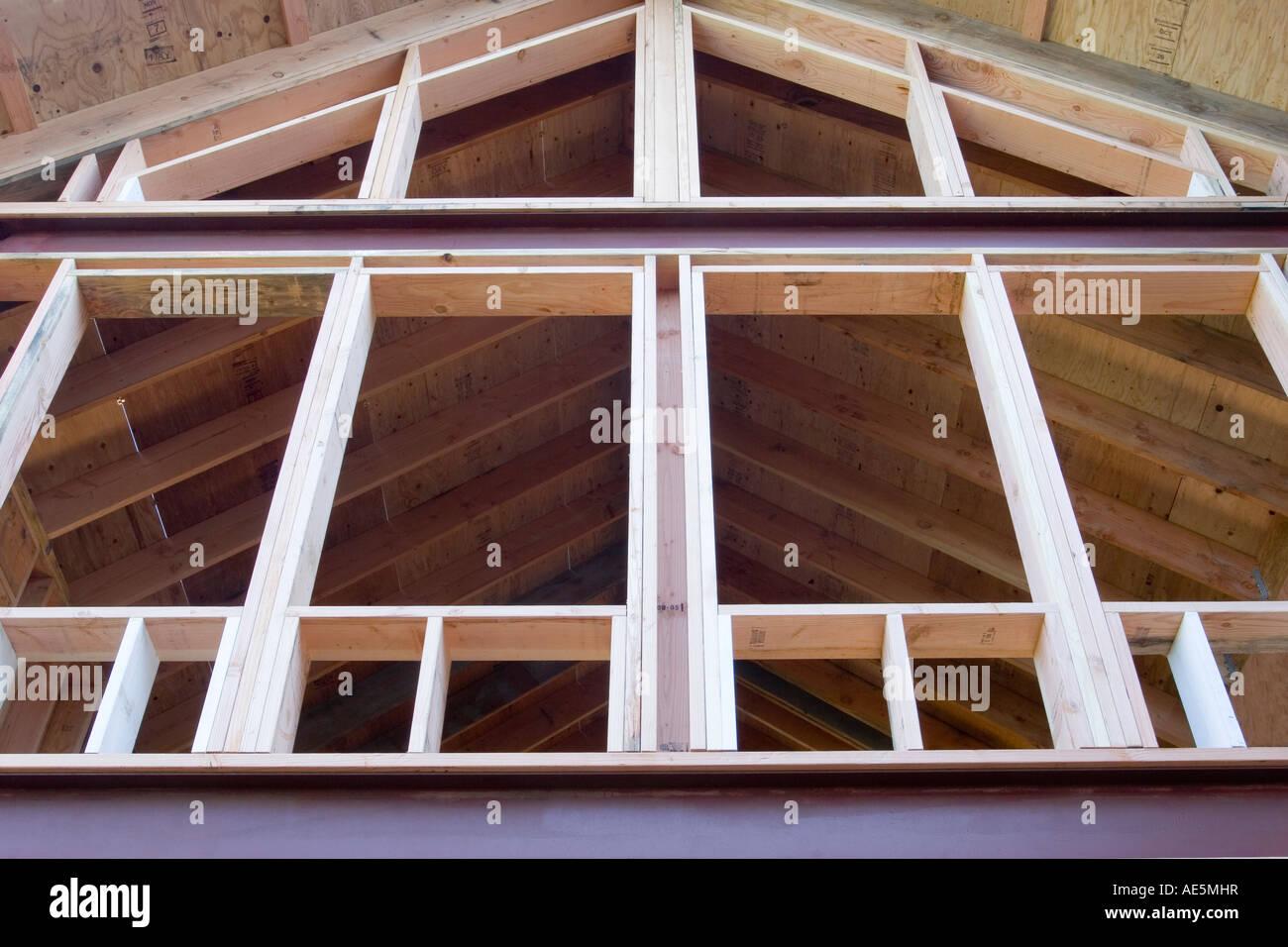 Aus Holz und Metall Gestaltung der Zimmer mit Fensterfront an einem ...