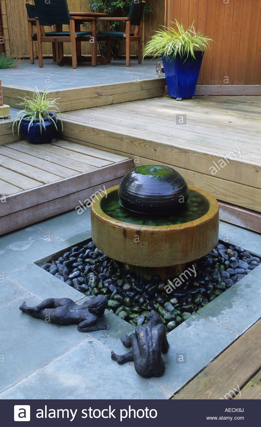 Private Stadt Garten London Design Kristina Fitzsimmons Wasserspiel Auf  Terrasse