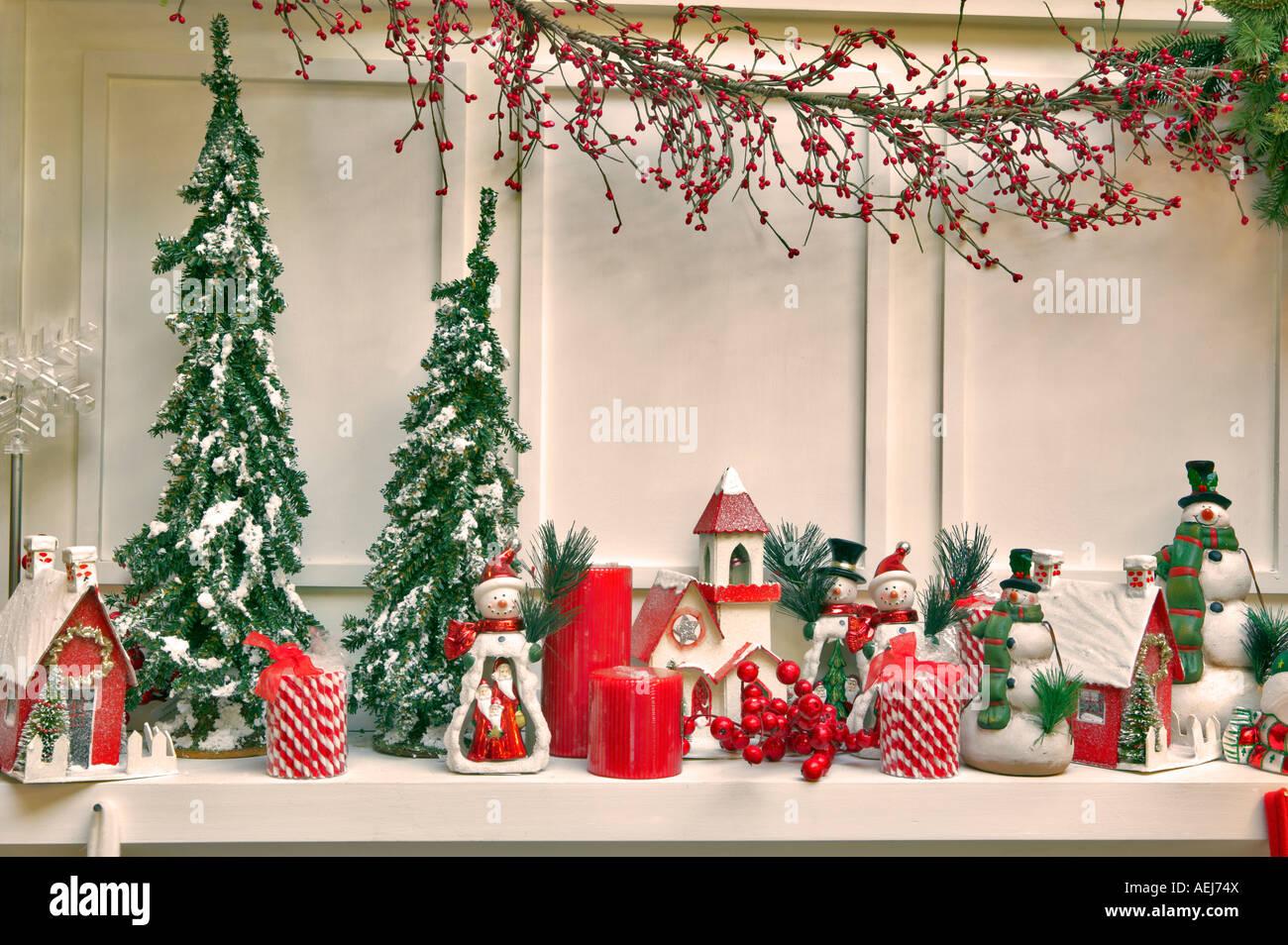 weihnachts dekorationen auf kaminumhang al s kindergarten woodburn oregon stockbild - Kaminumhang Dekorationen