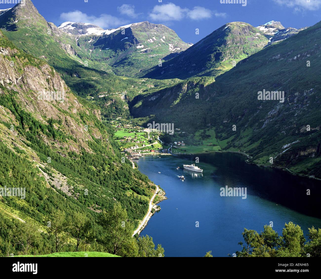 Nein - mehr OG ROMSDAL: Geirangerfjord Stockbild