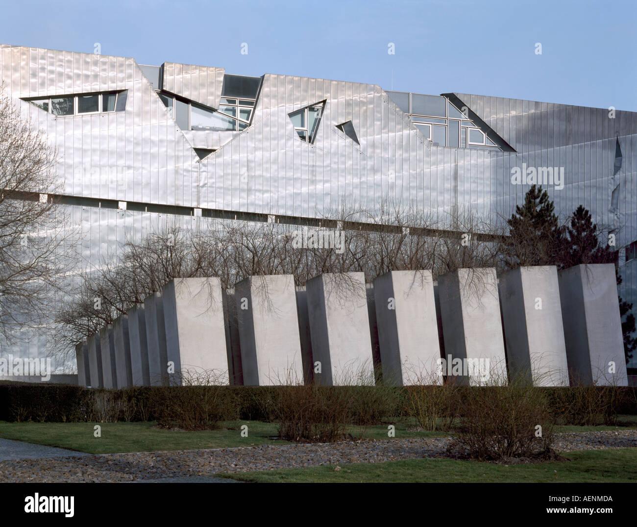 Berlin, Jüdisches Museum, Daniel Libeskind, 1994-98, Davor E.T.A-Hoffmann-Garten Stockbild