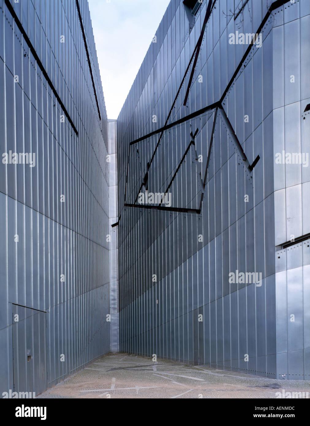 Berlin, Jüdisches Museum, Daniel Libeskind, 1994-98, Fassadenausschnitt Stockbild