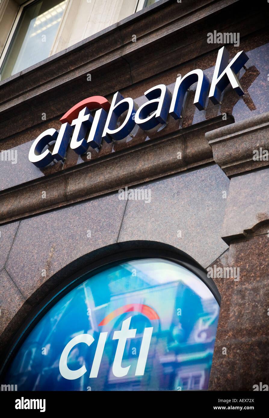 Citibank-Filiale in der Londoner City Stockbild
