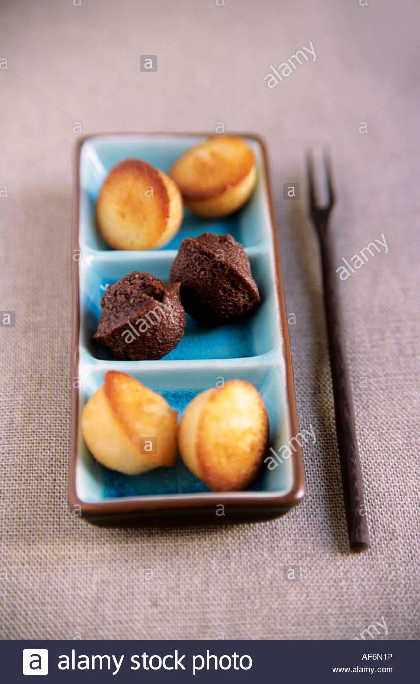 Mini Finanziers Kleine Franzosische Kuchen Stockfoto Bild