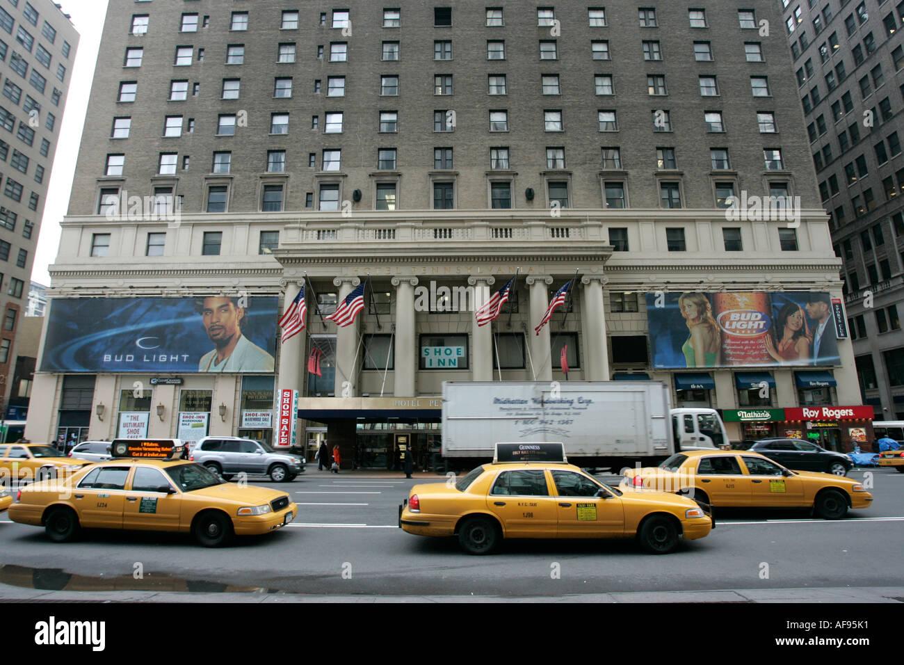 Gelben Taxis Fahren Pennsylvania Hotel Vorbei An Der 7th Avenue