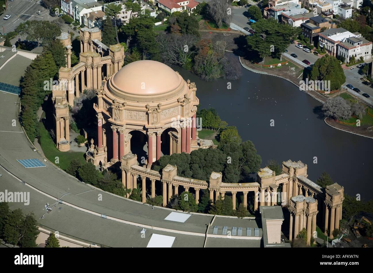 Luftaufnahme über dem Palast der schönen Künste, Exploratorium in San Francisco CA Stockbild
