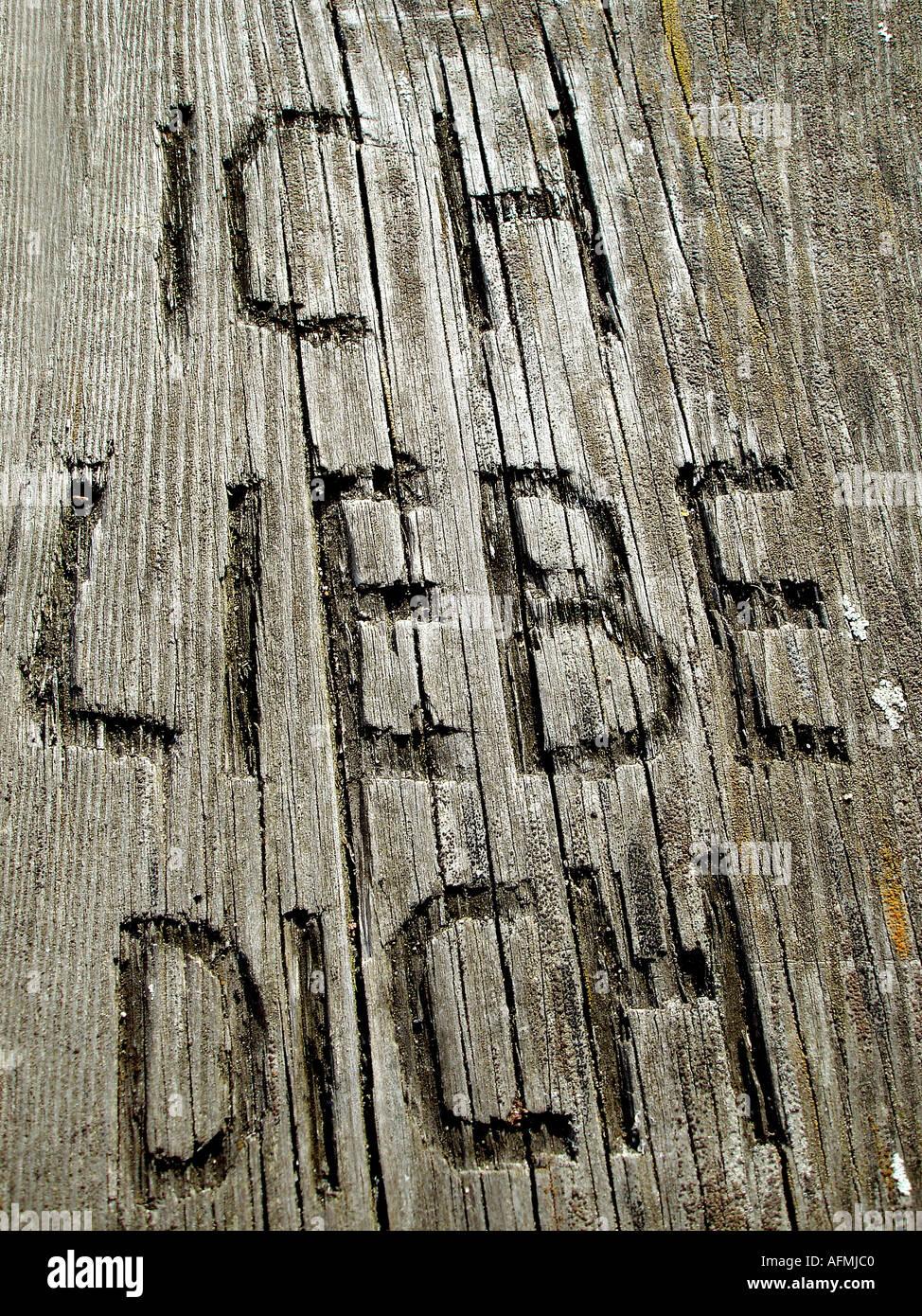 Ich liebe dich Schnitt in Holz Ich Liebe Dich in Holz Geschnitzt Stockbild