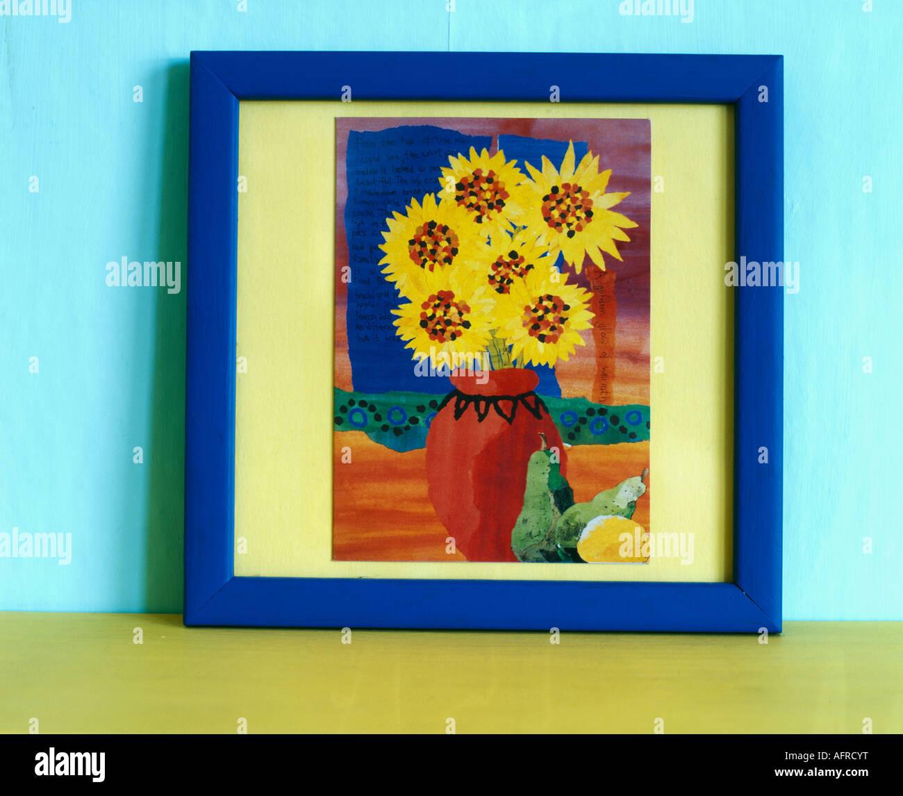 Kleine blau gerahmte Gemälde von Sonnenblumen, rote vase Stockfoto ...