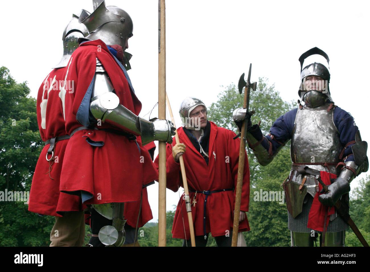 Mittelalterlichen Soldaten mit lustigen ausdrücken Stockbild