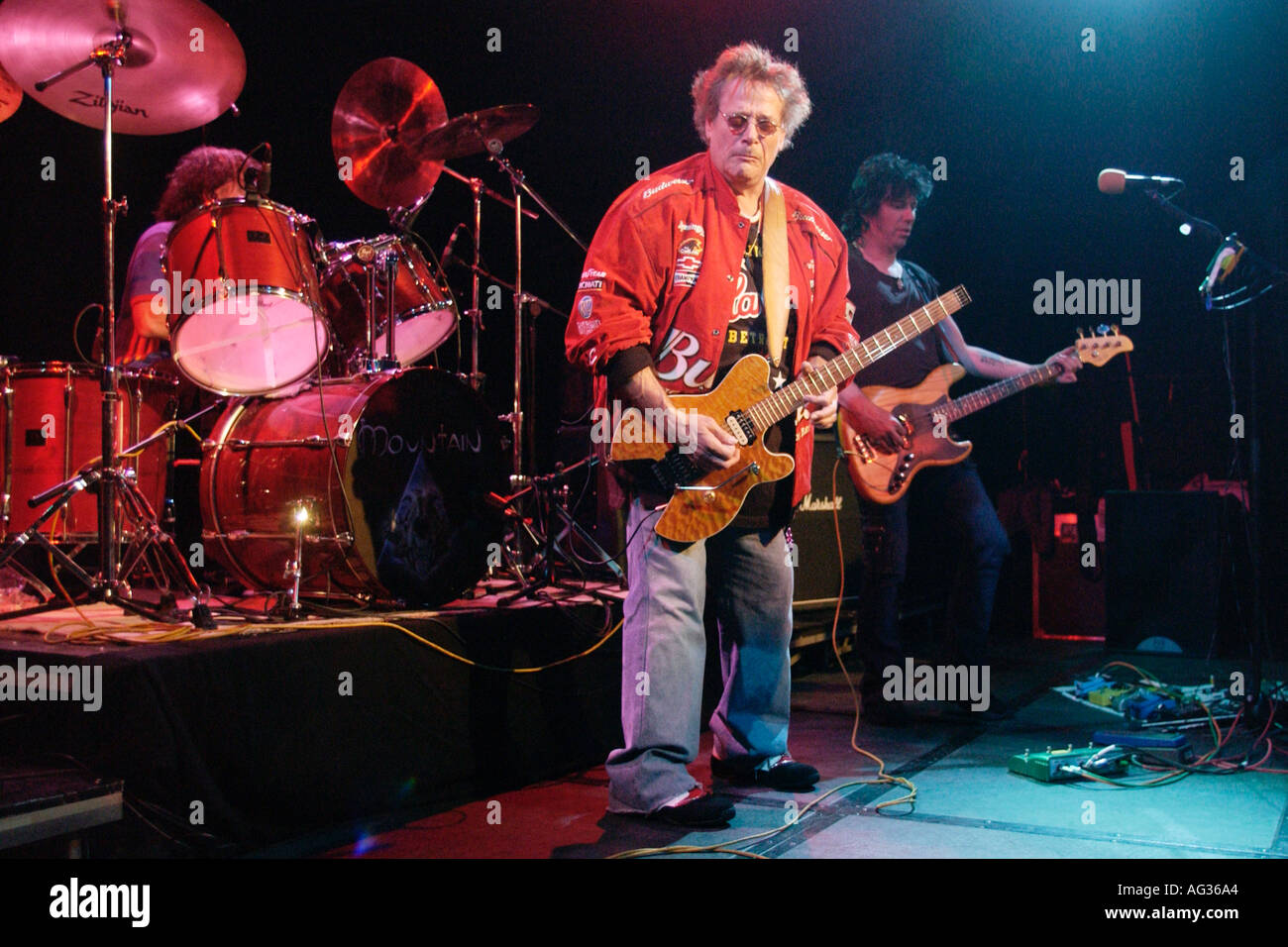 Legendäre US-amerikanische Rock-Band Mountain Leslie West Gitarre Corky Laing drums Richie Scarlet bass Stockbild