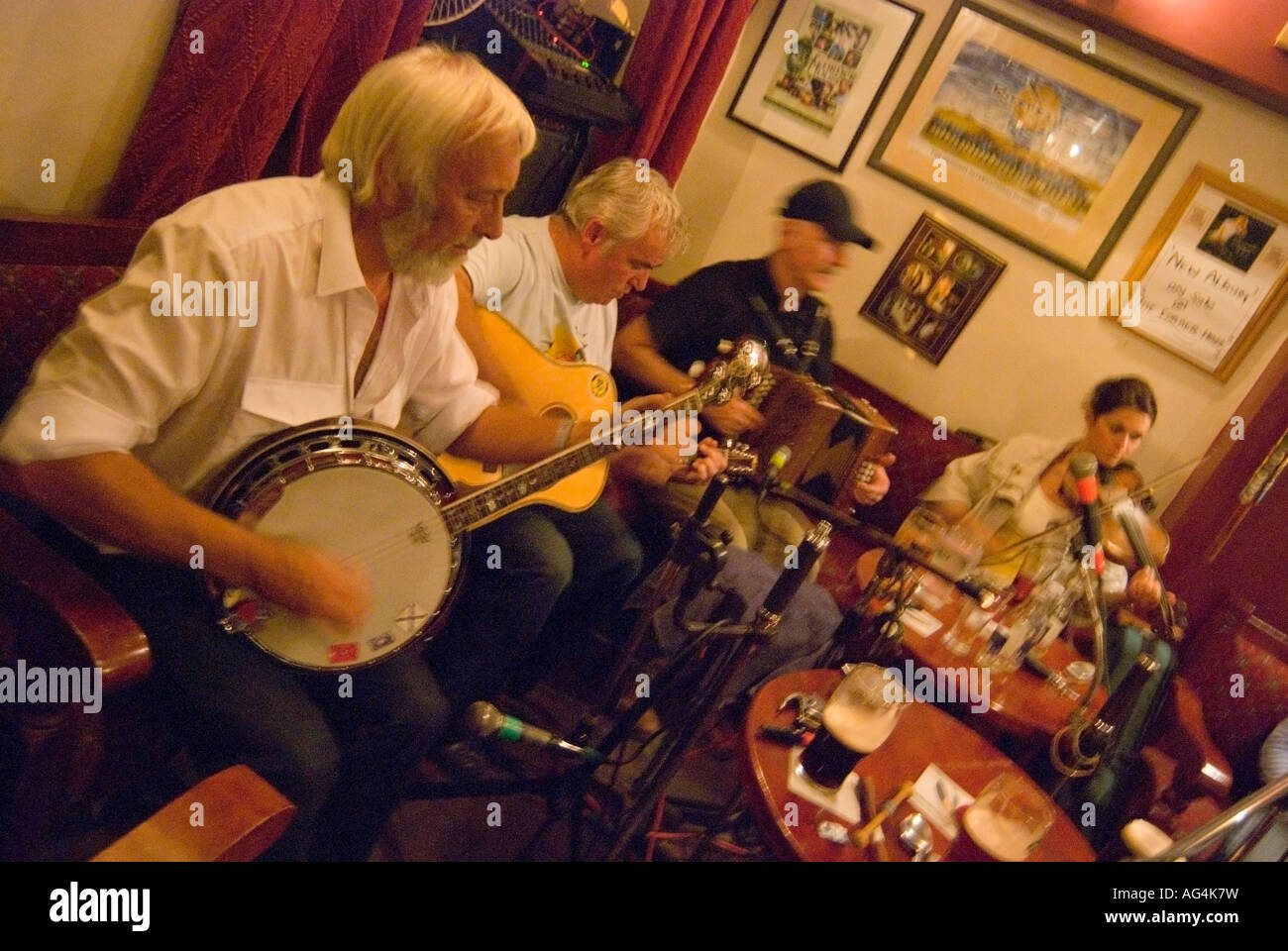 Ardara County Donegal Irland Live Volksmusik in Peter Olivers Ecke ...