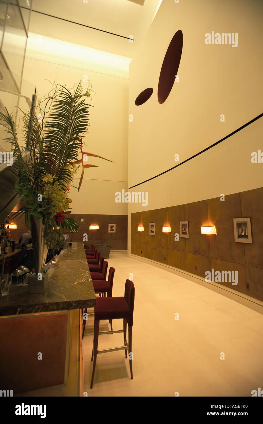 Bar im Restaurant Aureole im Mandalay Bay, Las Vegas, Nevada Stockbild