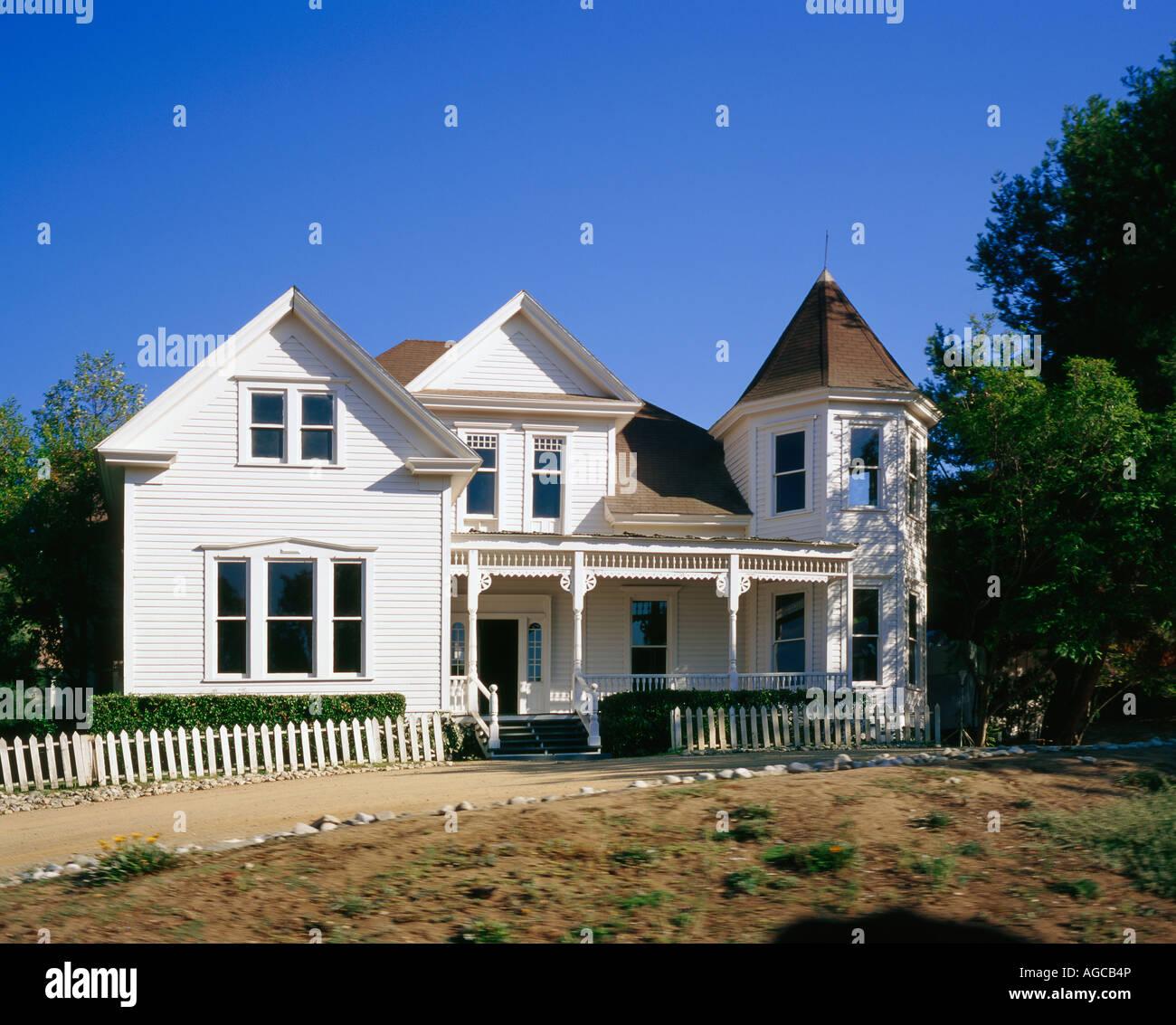 Haus Aus Dem Film Typisch Amerikanischen Holzhaus Stockfoto Bild