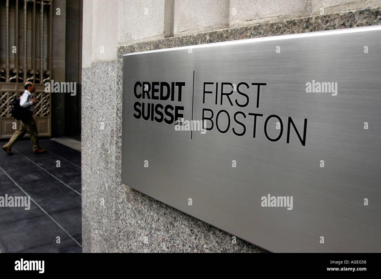 Ein Zeichen für den New Yorker Hauptsitz der Credit Suisse First