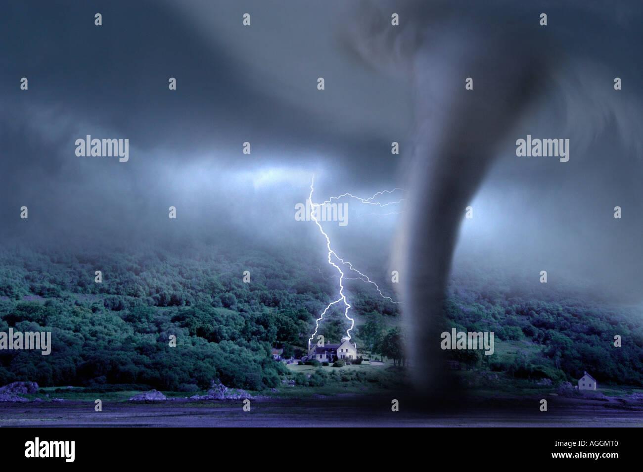 Tornado und Donner über Mansion, Isle Of Skye, Schottland Stockbild