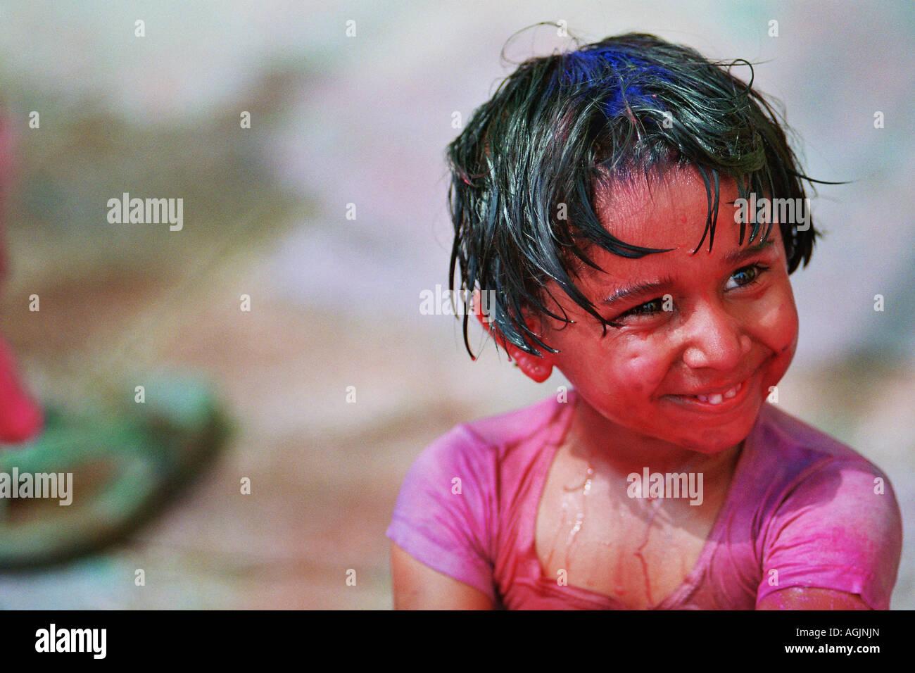 indische Mädchen Baden Bilder