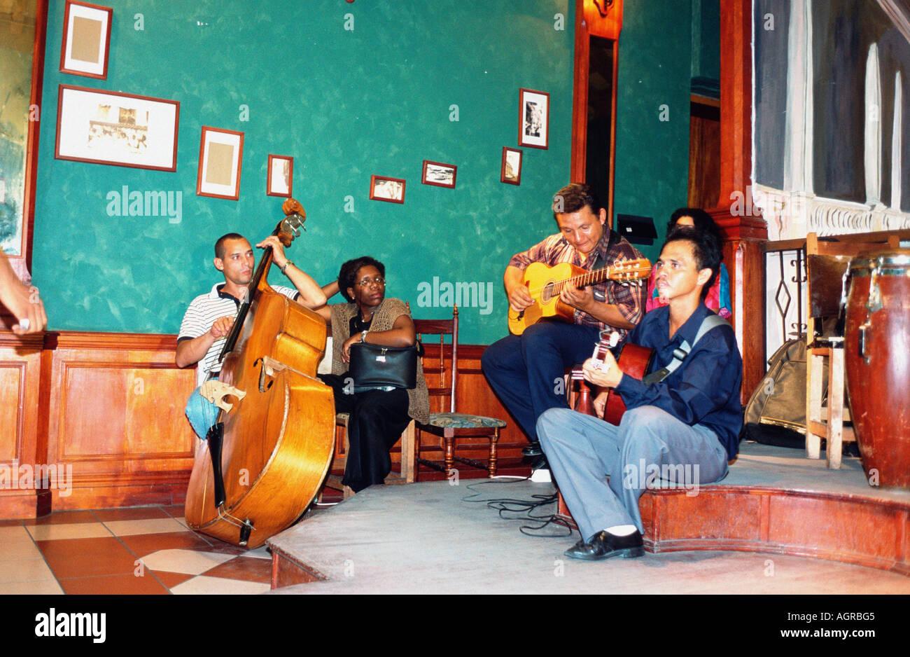 Musiker / Santiago De Cuba / Musiker Stockbild