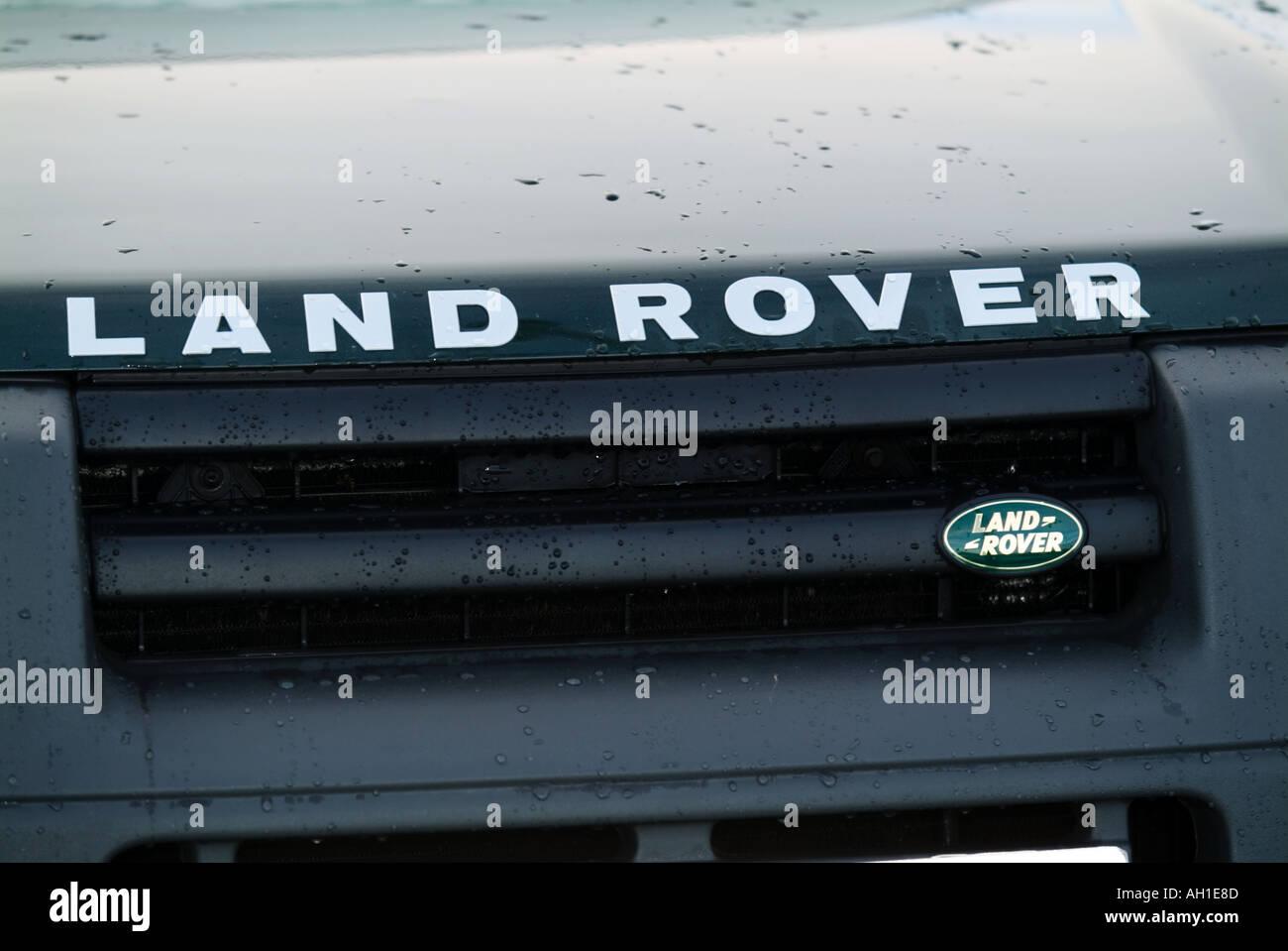 off Roader Suv vier-Rad-Antrieb Englisch 4 x 4 Auto-Hersteller Hersteller Ford motor Company Symbol Abzeichen Logo Premium-Marke Luxus Stockbild