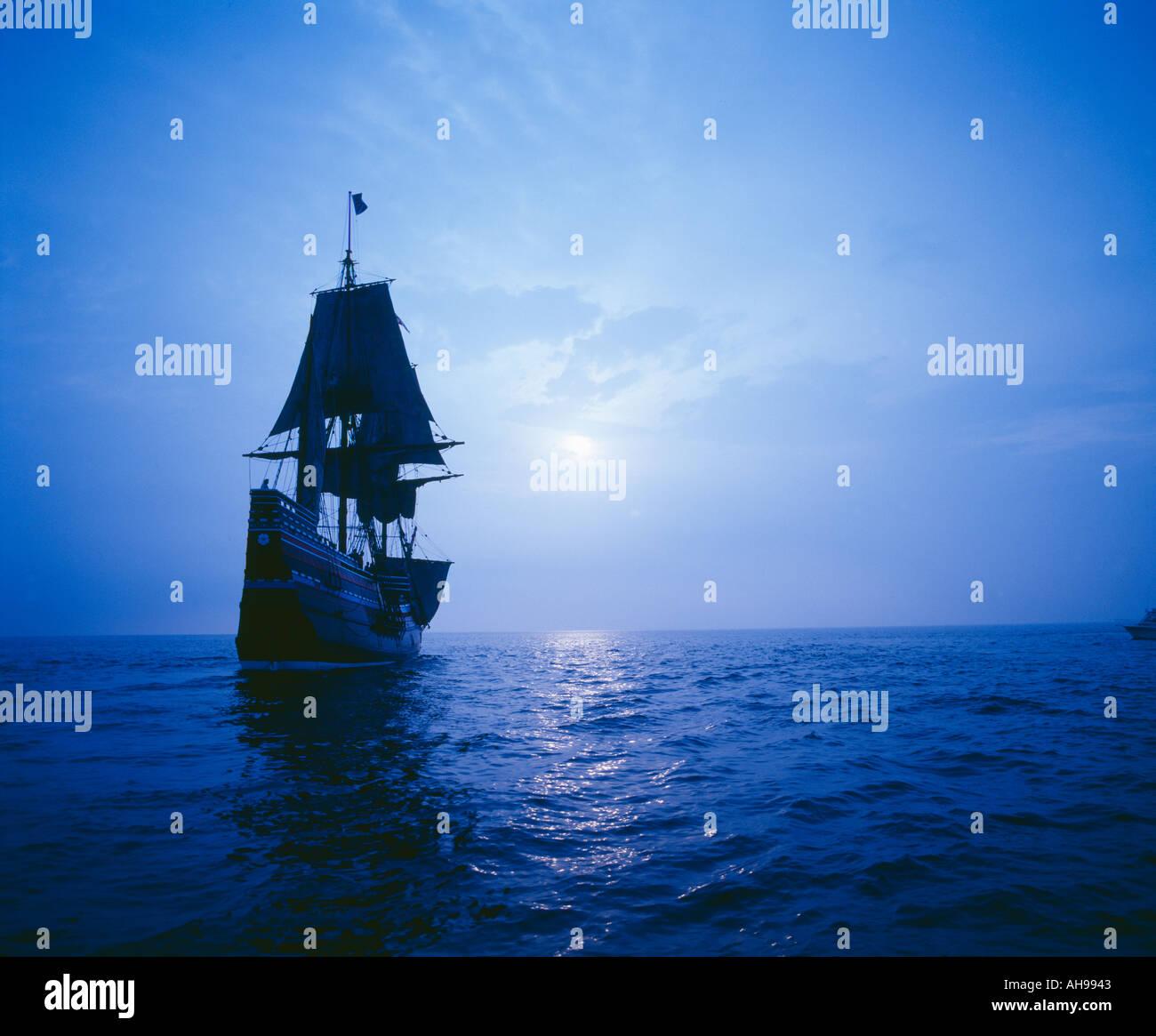 Mayflower II Replik im Mondlicht Stockbild