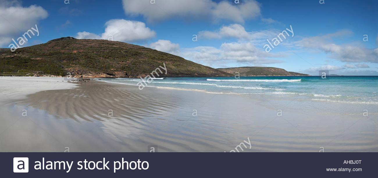 Cape Le Grand gesehen von Le Grand Beach im Cape Le Grand National Park in der Nähe von Esperance in Western Stockbild