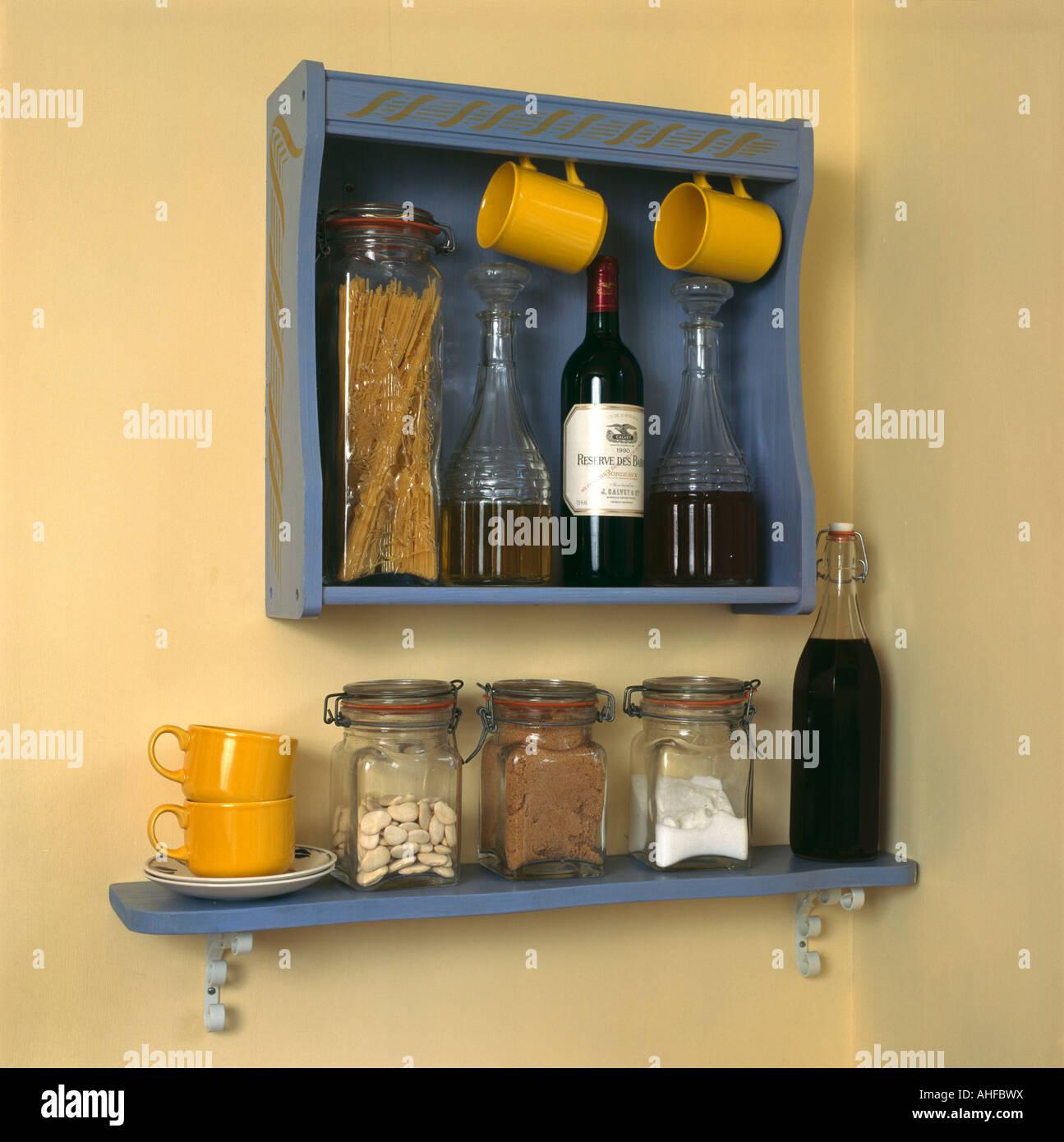 Ziemlich Küchenregal Mit Tasse Haken Ideen - Küchenschrank Ideen ...
