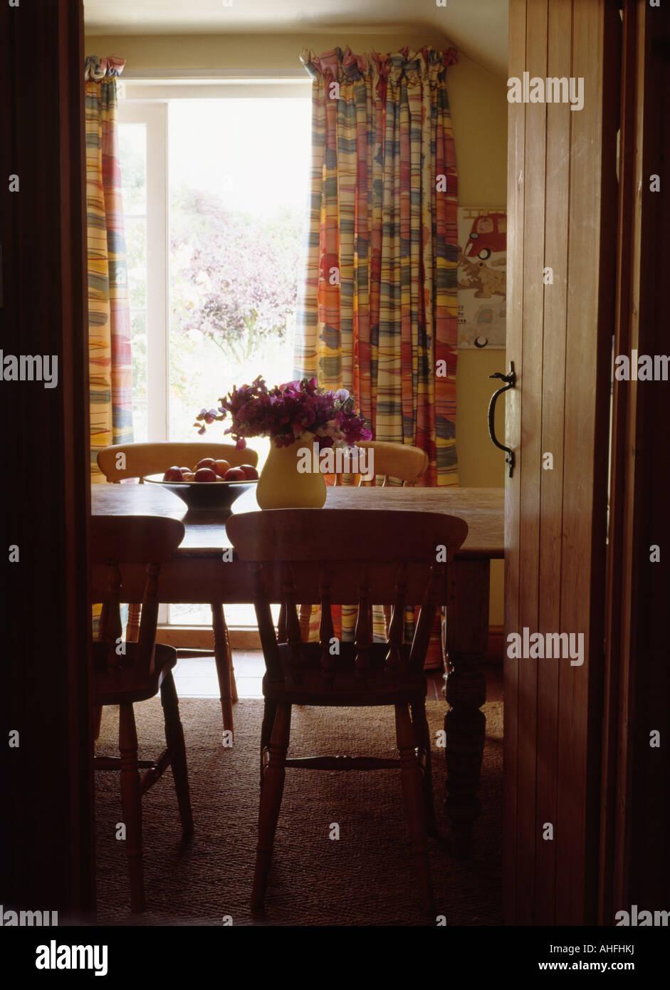 Esszimmer Kiefer | Ferienhaus Tur Zu Offnen An Land Esszimmer Kiefer Tisch Mit Stuhlen