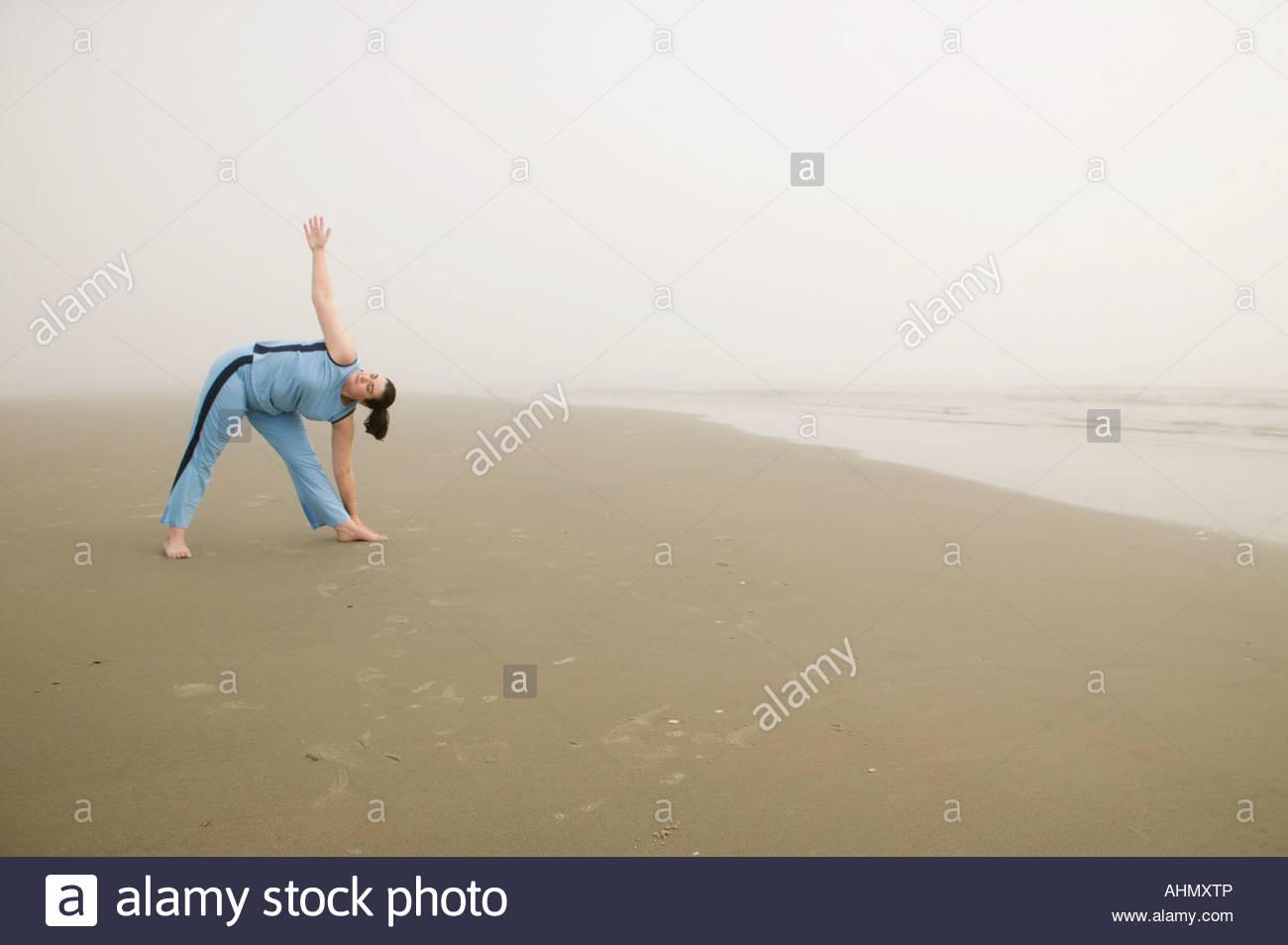 overweight women beach stockfotos overweight women beach. Black Bedroom Furniture Sets. Home Design Ideas