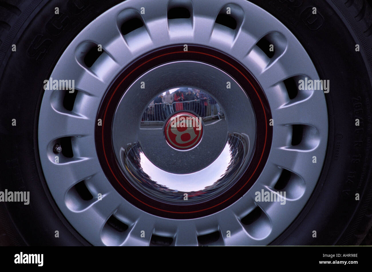 Chrome Hub Cap Stockfotos & Chrome Hub Cap Bilder - Alamy