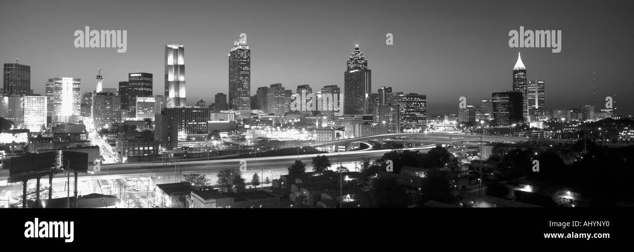 Skyline von Atlanta bei Dämmerung nach Olympia Graustufen Georgien Stockbild
