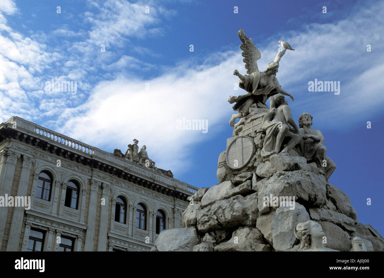 Vier Kontinent Brunnen Unit d Italia quadratische Friaul-Julisch Venetien-Italien Stockbild