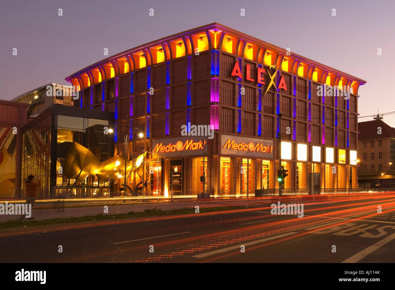 berlin alexa shopping center media markt in der n he von alexanderplatz stockfoto bild. Black Bedroom Furniture Sets. Home Design Ideas
