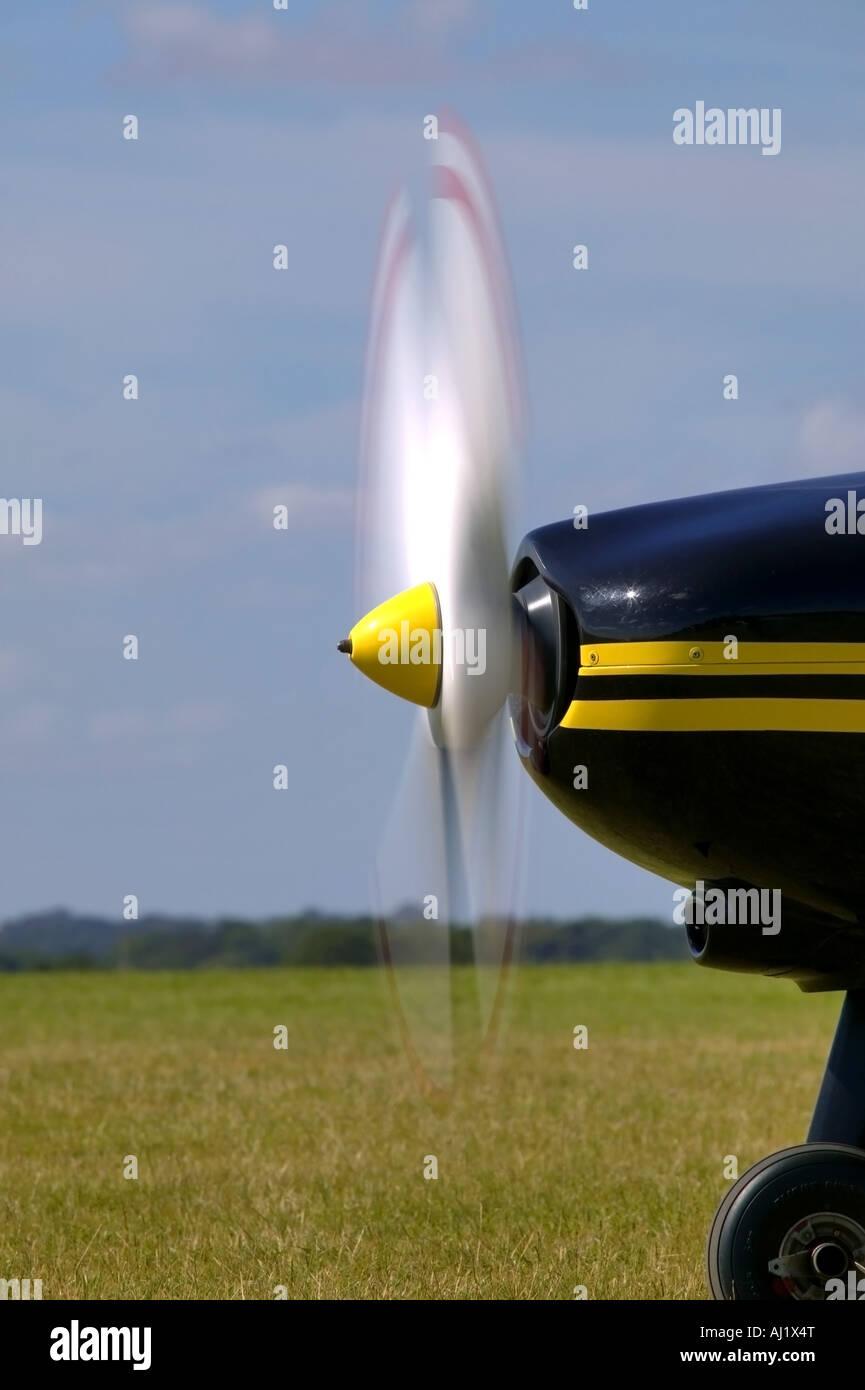 Der Propeller auf ein Leichtflugzeug mit Motion blur Stockbild