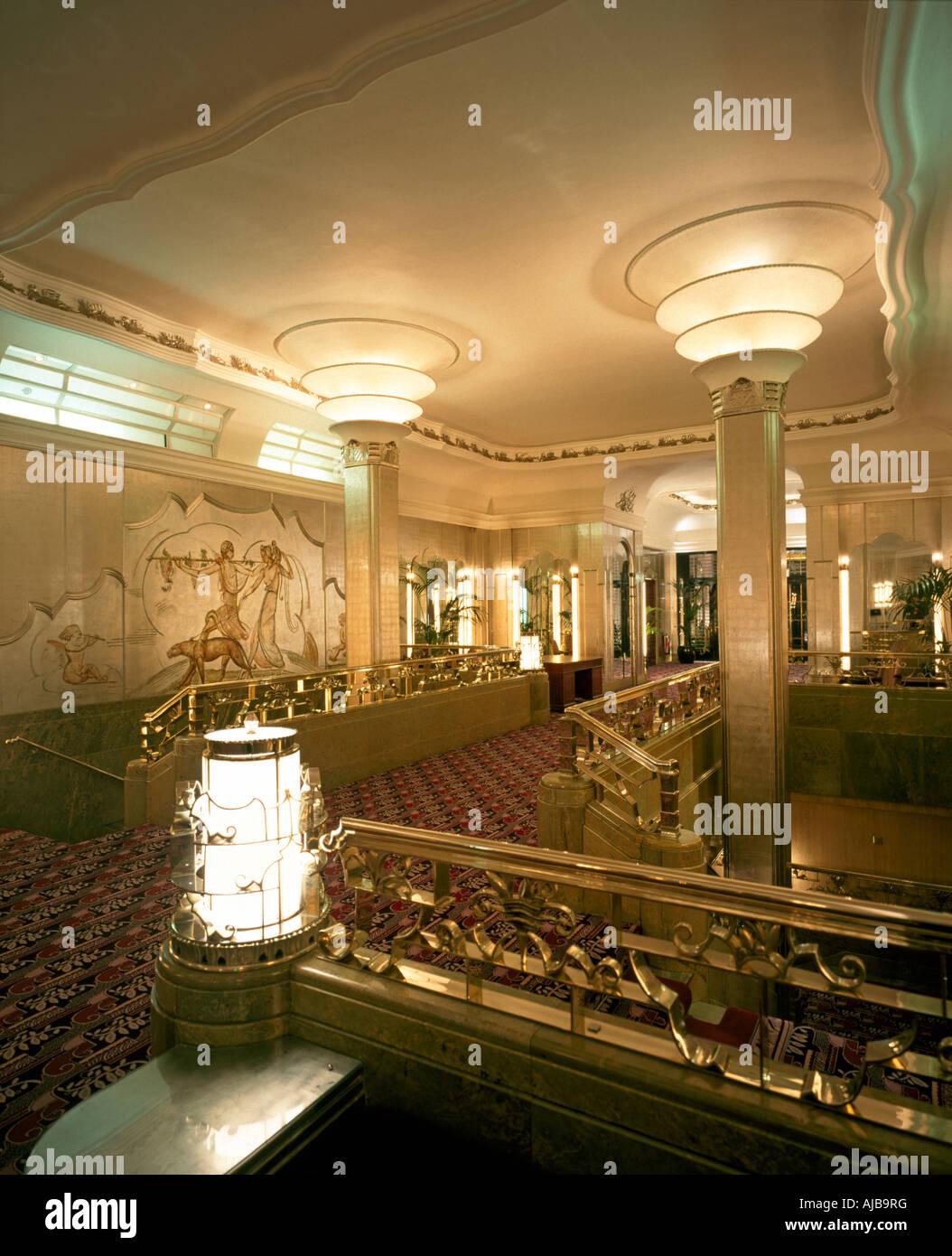 Foyer-Interieur im Art Deco Stil der Hyde Park Hotel London W1 ...