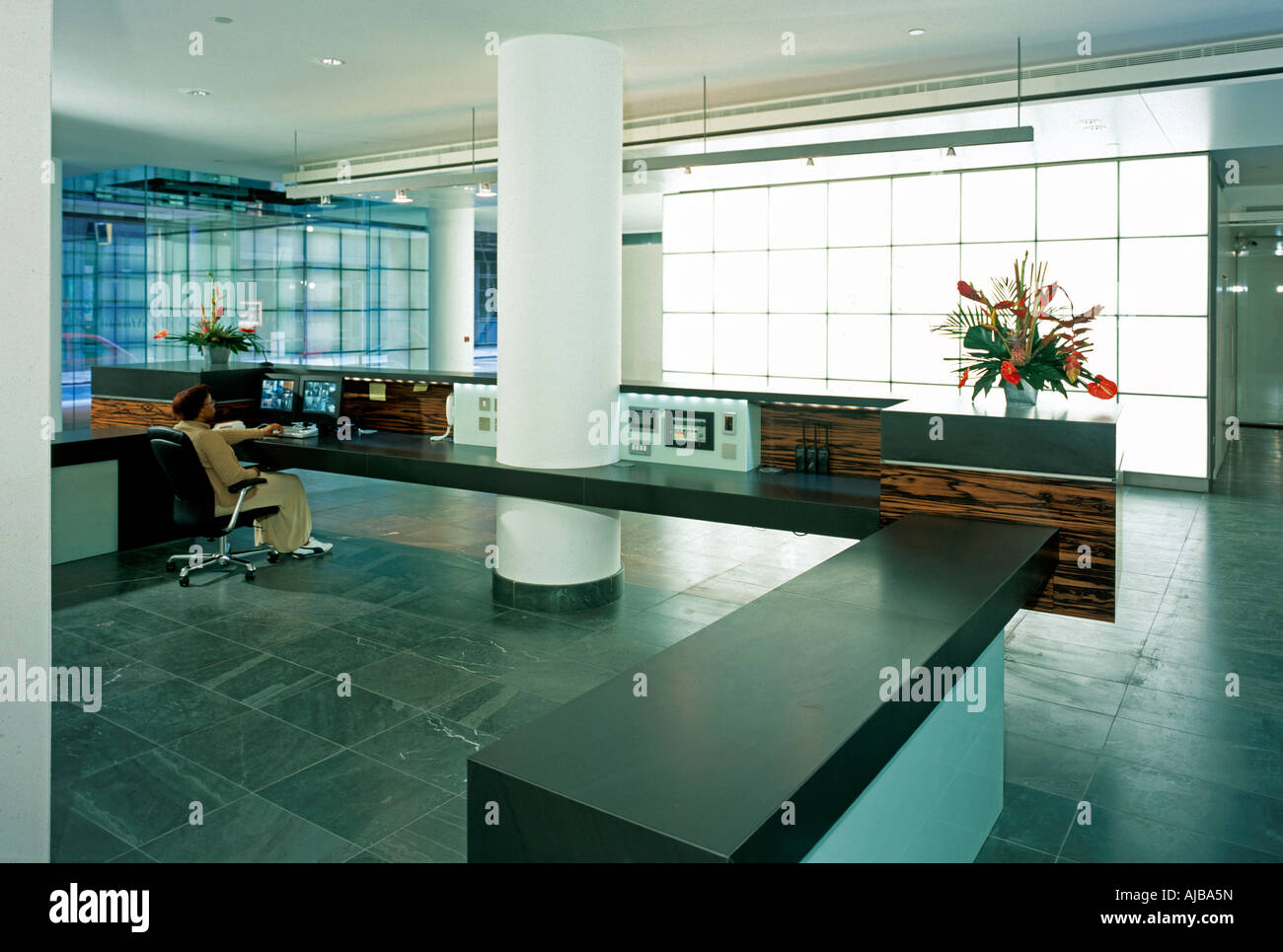 Empfang Foyer Interieur mit Glas bei 25 Copthall Avenue London EC2 ...
