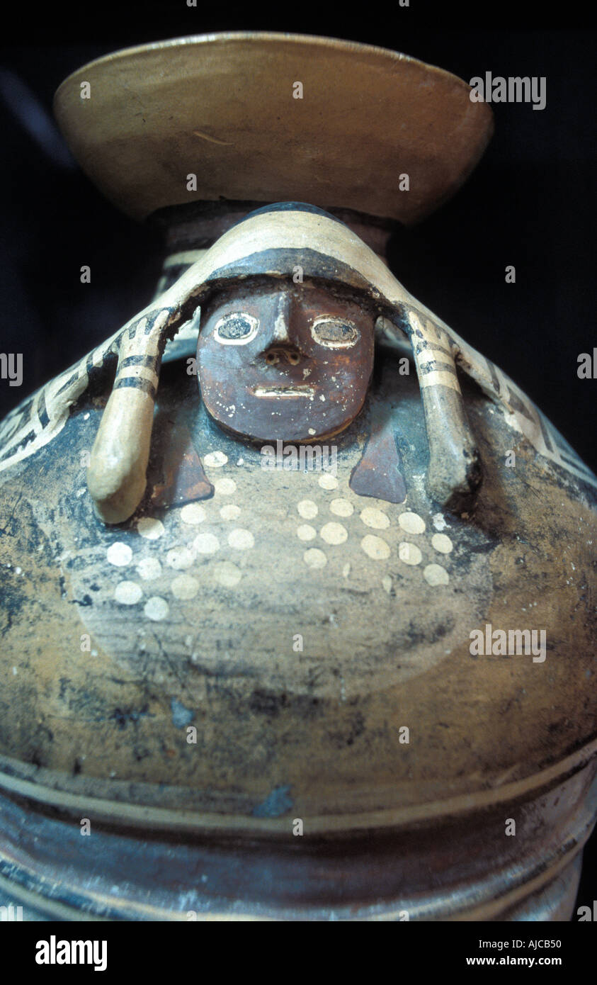precolumbian ceramic stockfotos precolumbian ceramic bilder alamy. Black Bedroom Furniture Sets. Home Design Ideas