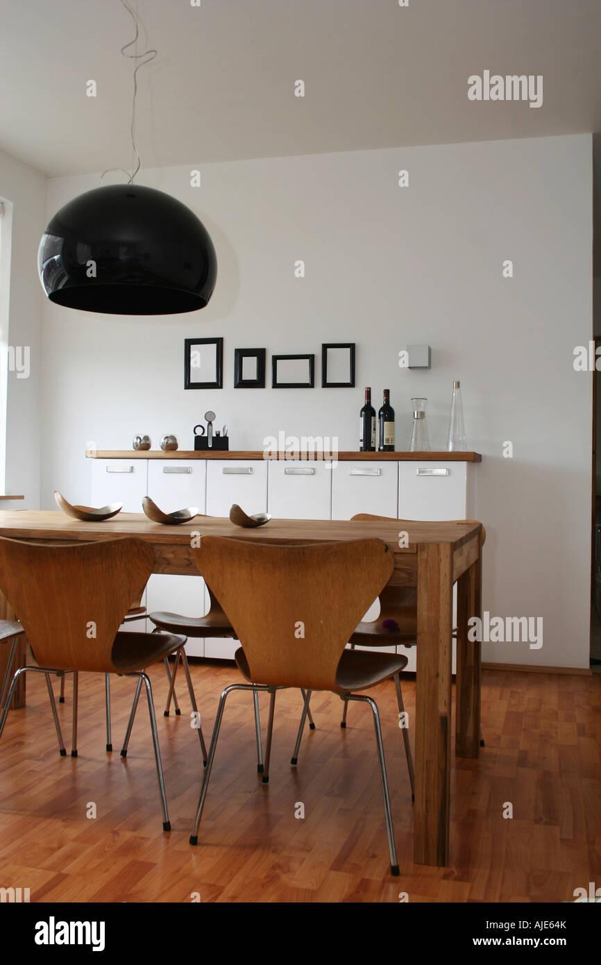 Moderne Wohnzimmer Schwarz / Weiß Dekor 4 Leere Schwarze Rahmen An Wand