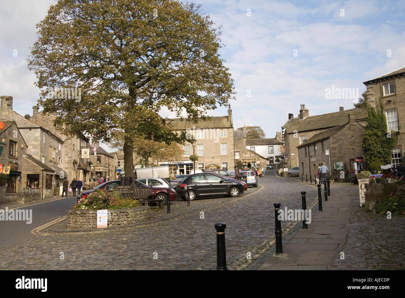GRASSINGTON NORTH YORKSHIRE UK Upper Wharfedale Prinzip Dorf hat seinen Charme mit den kleinen gepflasterten Marktplatz bewahrt. Stockfoto