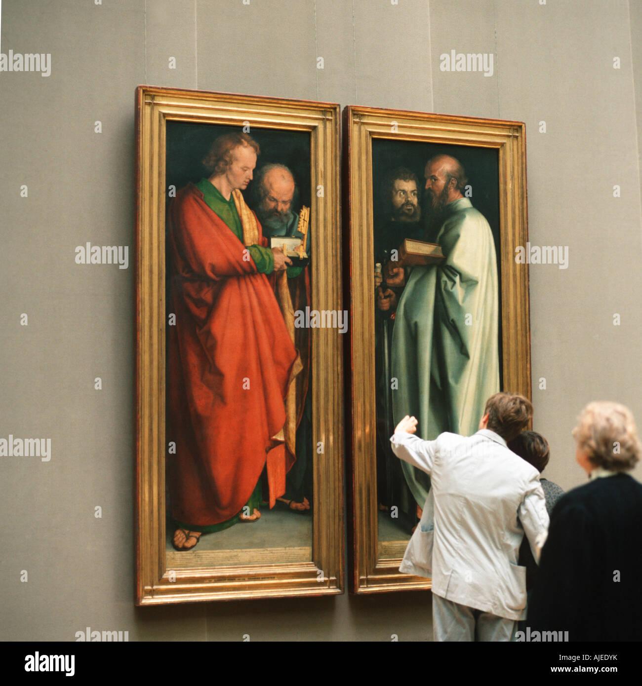 EU DE Deutschland Bayern München Alte Pinakothek vier Apostel von Albrecht Dürer PR Nein Herr Nein Drittrechte Stockbild