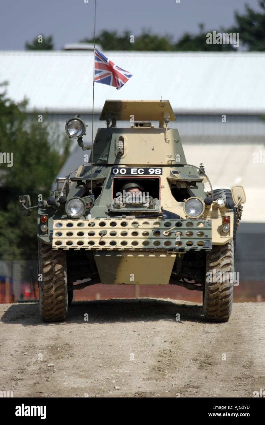 warrior armoured personnel carrier stockfotos warrior armoured personnel carrier bilder alamy. Black Bedroom Furniture Sets. Home Design Ideas