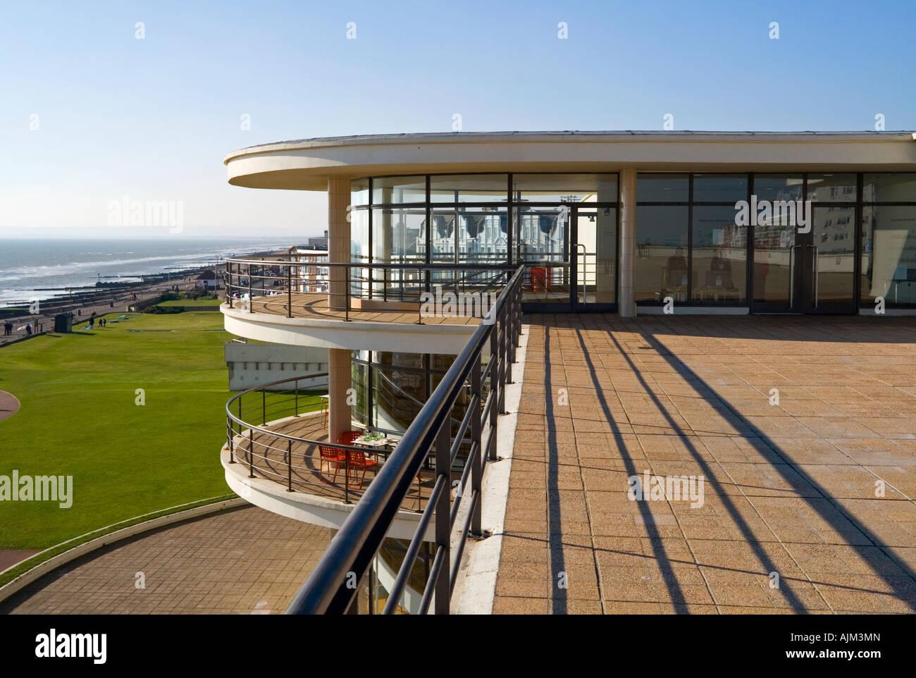Außenseite des De La Warr Pavilion in Bexhill am Meer East Sussex UK entworfen von Erich Mendelsohn und Serge Stockbild