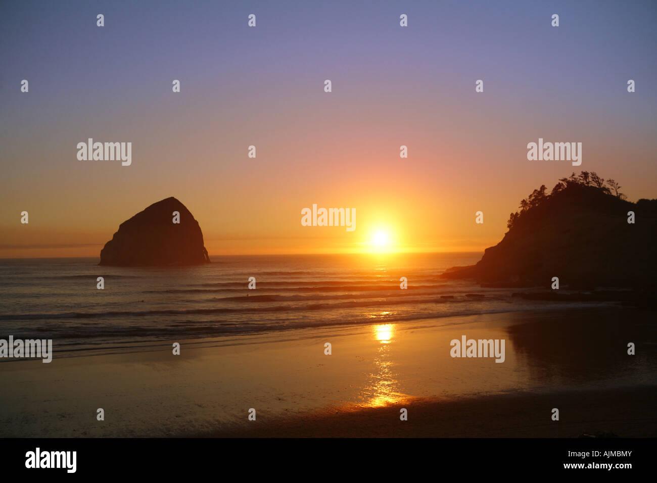 Strand Sonnenuntergang Pacific City Oregon Stockbild