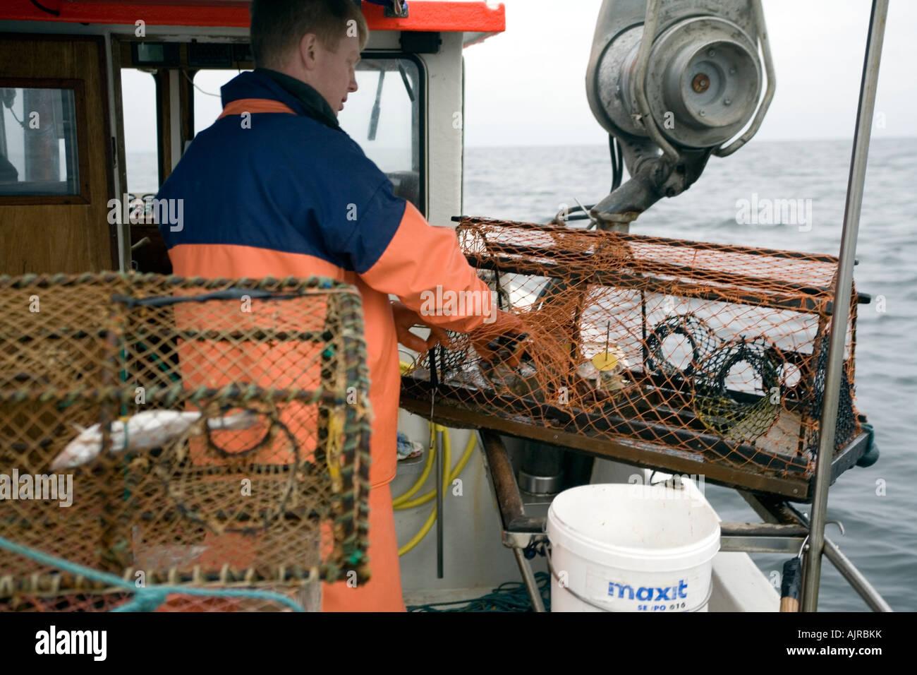 Nordic Fisherman Prüfung eine Draht-Hummerfalle, nachdem der ...