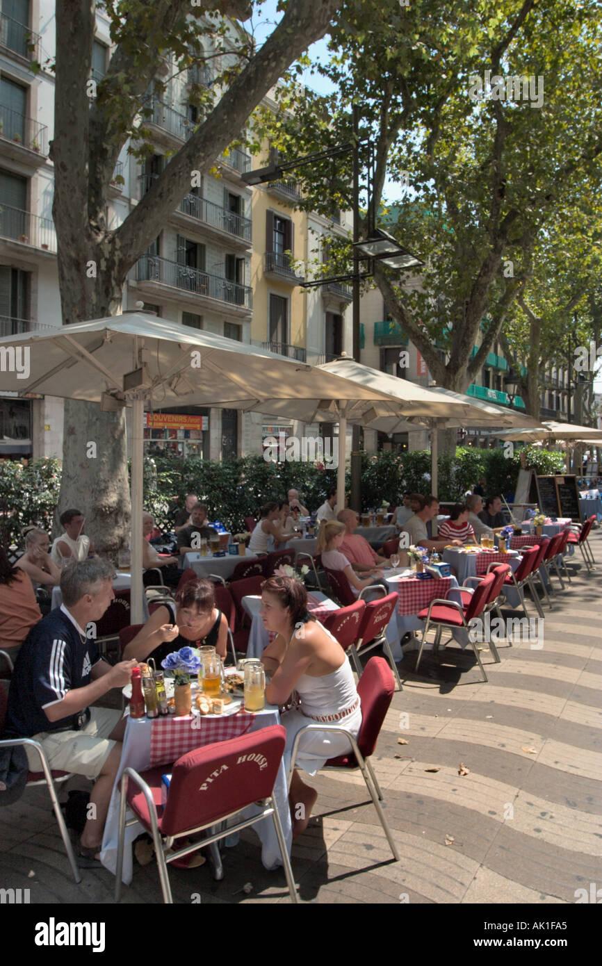 Pavement Cafe, La Rambla, Barcelona, Katalonien, Spanien Stockbild