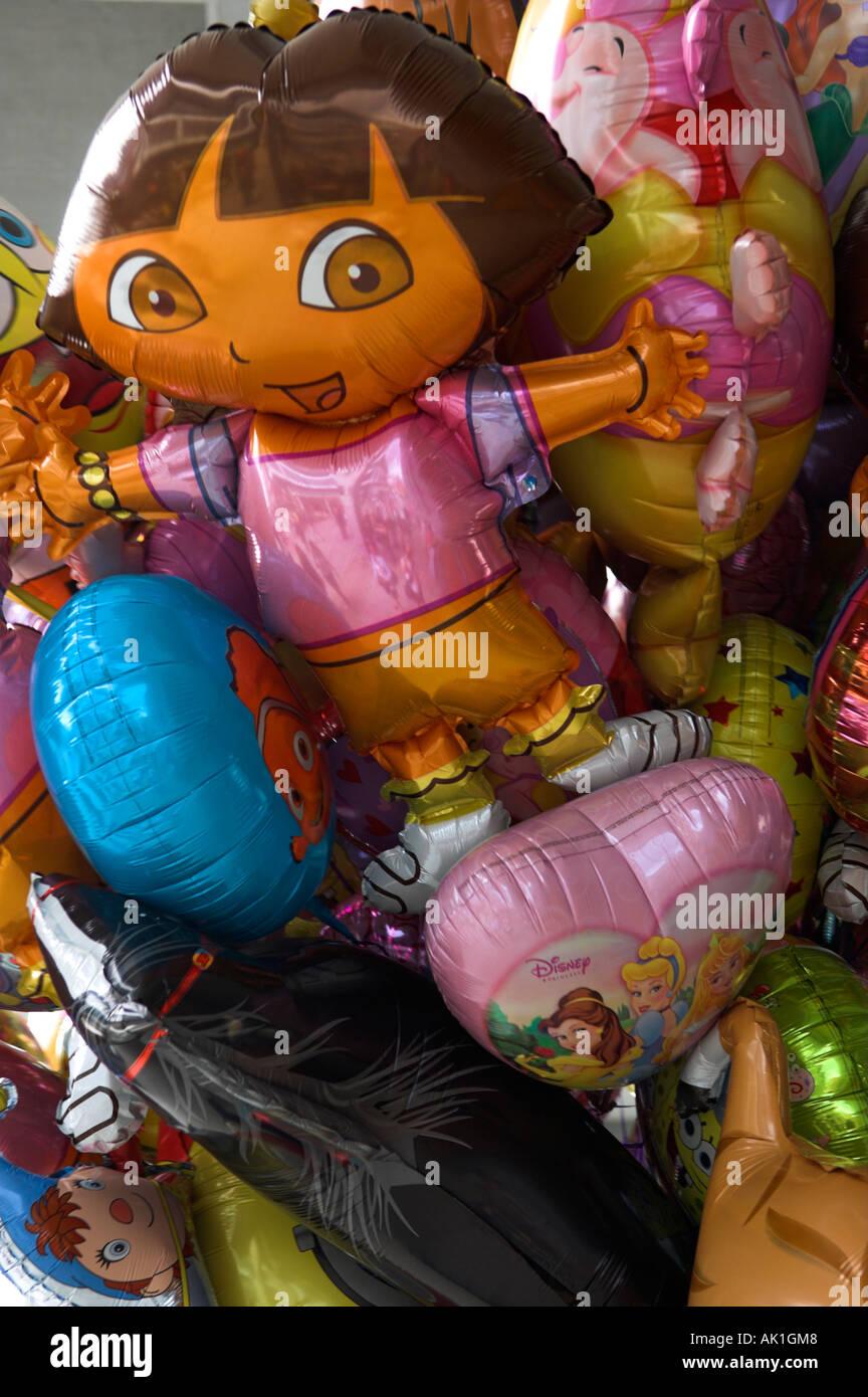 Bunten Heliumballons Charakter Stockbild