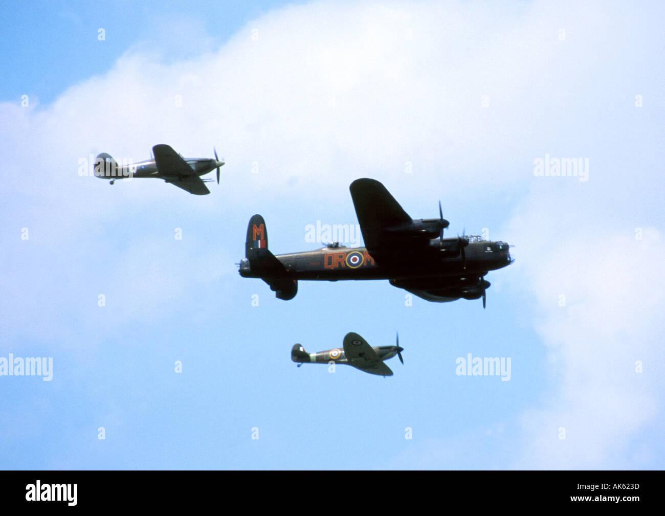 Luftschlacht um England Überflug auf der Farnborough Airshow 2002 Stockbild