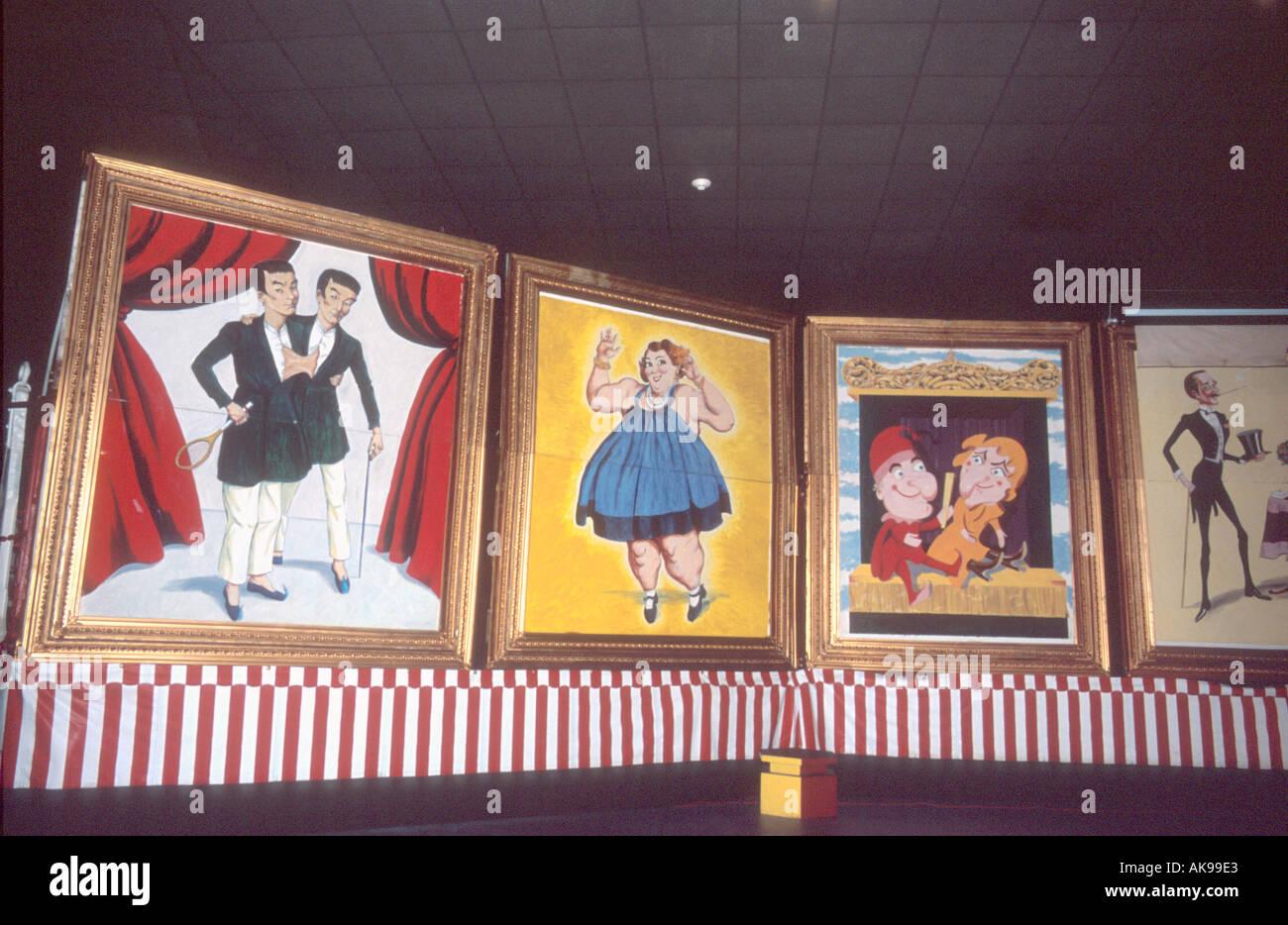 Gerahmte Gemälde des Zirkus Plakate angezeigt im Ringing Circus ...