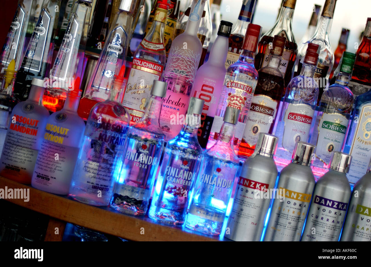 bottles spirits on bar shelf stockfotos bottles spirits. Black Bedroom Furniture Sets. Home Design Ideas