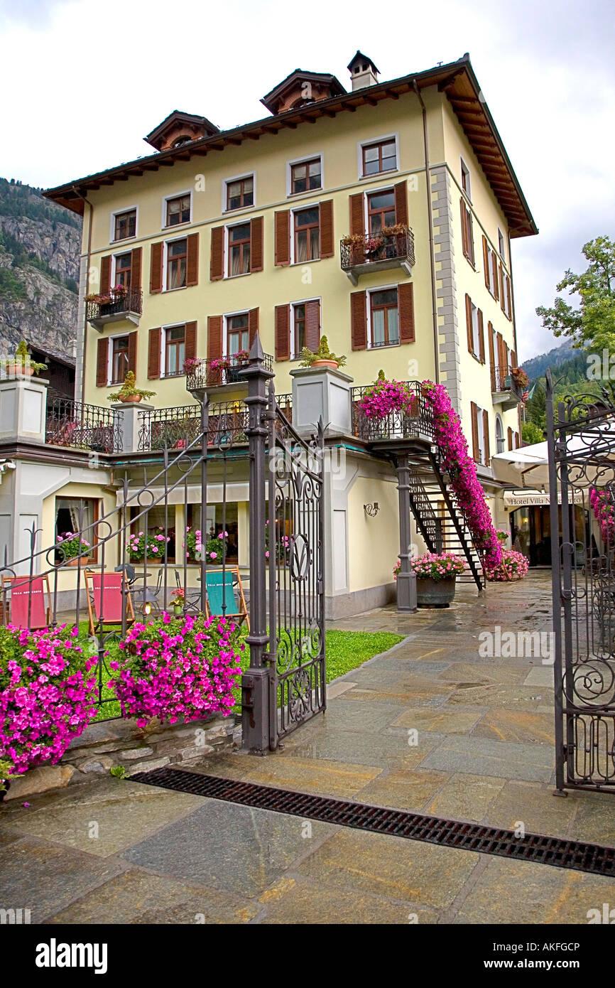 FA Ade, Romantik Hotel Villa Novecento, Courmayeur, Valle d ' Aosta, Italien Stockbild