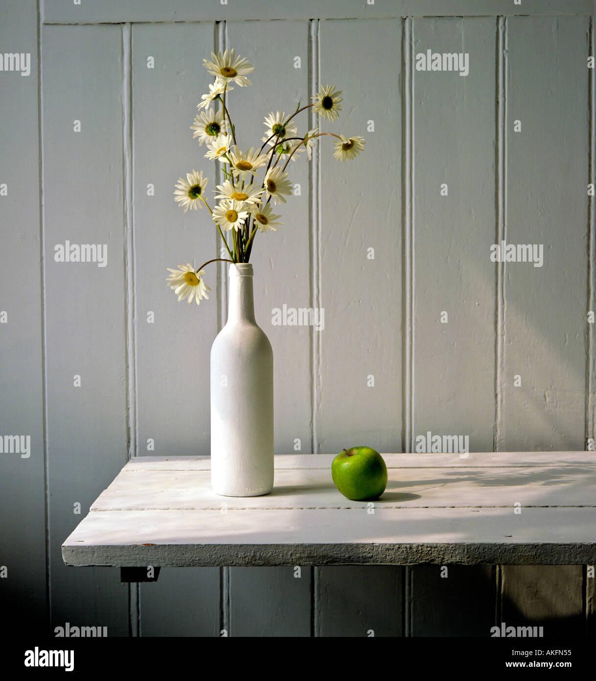 Bouquet von Marguerite Blume in weißen Ambiente Stockbild